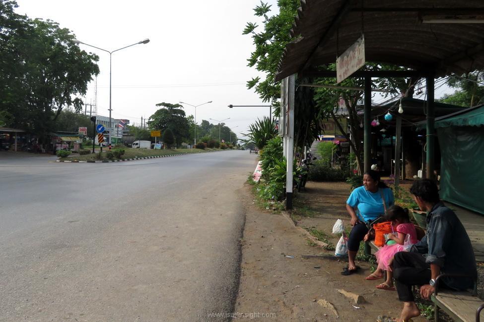 น้ำตกไทรโยคน้อย สถานีน้ำตก รถไฟ น้ำตก กาญจนบุรี ทองผาภูมิ บ้านอีต่อง เหมืองแร่ปิล๊อก เดินทาง
