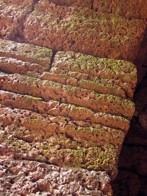 หินศิลาแลง ปราสาทตาเมืองธม สุรินทร์