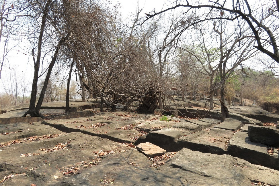 แหล่งหินตัด แหล่งตัดหิน สีคิ้ว Sikhu Sandstone Historical Quarry